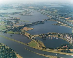 Luchtfoto Maasplassen